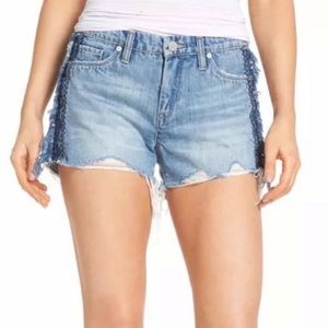Blank NYC Embroidered Short in Free Bee (NWT)